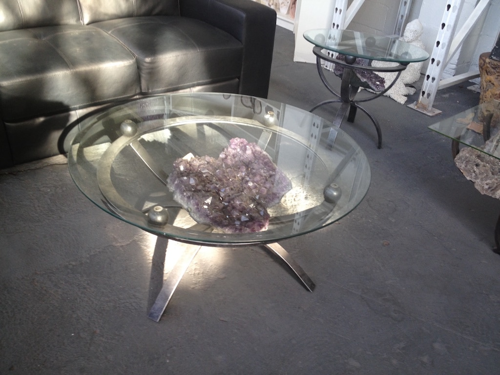 Geode Decor designer & wholesaler of geode tables, geode lamps & agate decor