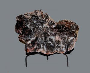 AGATE SLAB IN METAL STAND
